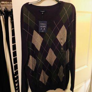 BNWT Men's Argyle VNeck Sweater